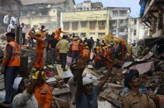 印度孟买四层建筑发生坍塌    造成 7 人死亡 40 人被困