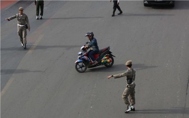 最高法院取消雅加达主要街道摩托禁令省长条例