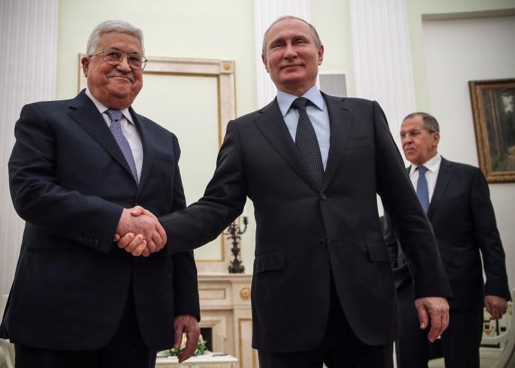 普京和阿巴斯会面讨论解决巴以纠纷事宜