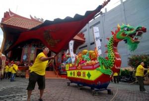 专家 :  青年华人需要进一步突出爱国精神