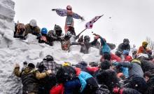 俄罗斯举行迎春活动  告别冬季迎来温暖春天