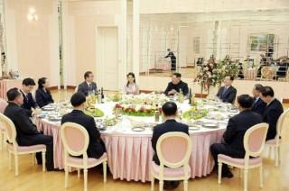 金正恩会见韩国特使团成员    希望加强双方关系