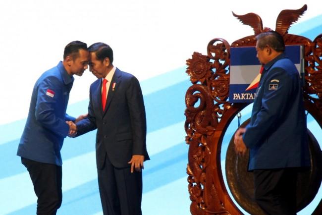 民主党暗示将 2019 年总统大选支持佐科威
