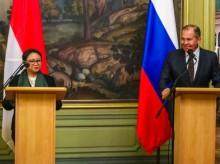 蕾特诺会见俄外长拉夫       商谈提高印俄经济合作事宜罗夫