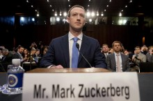 扎克伯格 :我也是脸书资料外泄事件的受害者