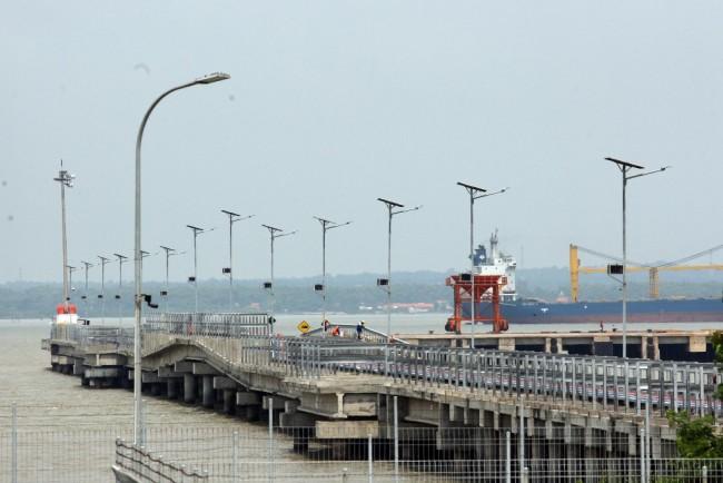 中国企业访印尼东部进行实地考察     准备开发工业区