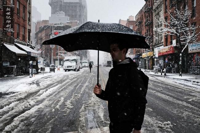 美国遭春季暴风雪袭击