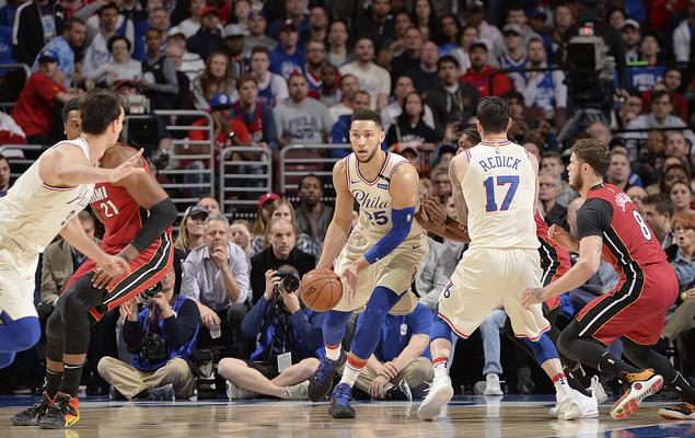 NBA 常规赛 17 日综述 :  勇士火箭获胜