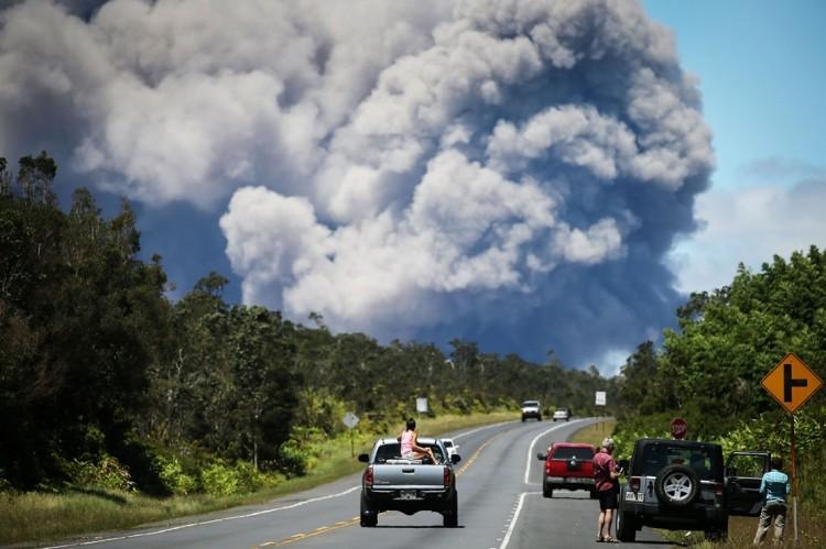 夏威夷基拉韦火山再度喷发    火山灰最高达 9100 多米