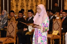 安瓦尔夫人就任马副总理
