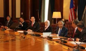 马新总理马哈蒂尔与新一届内阁召开首次会议