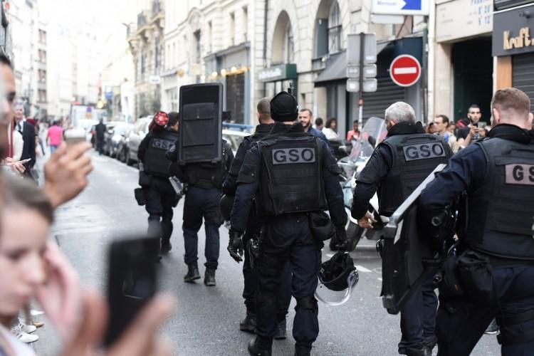 法国巴黎发生劫持人质事件     警方逮捕一嫌犯