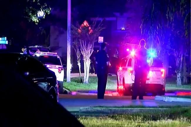 美佛罗里达州发生劫持人质事件    造成 4 名儿童死亡