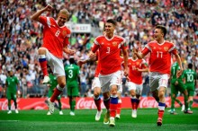 世界杯揭幕战 : 俄罗斯 5-0 大胜沙特