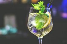 酒精饮料对女性骨骼产生不利影响