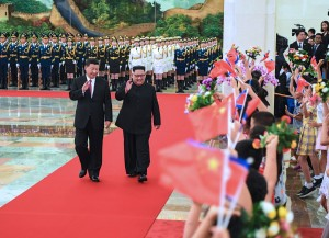 金正恩访华同习近平会谈       就朝鲜半岛局势交换意见