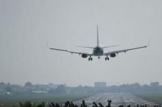 一架机动警租飞机抵达巴布亚遭枪击   造成 1 人受伤
