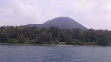 国内楠榜克拉卡陶子火山喷发烟雾