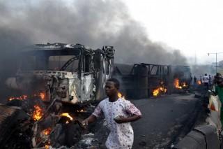 尼日利亚发生油罐车爆炸事件   造成 9 人死亡
