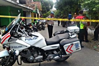 东爪哇巴苏鲁安发生爆炸袭击       人员伤亡暂无明确