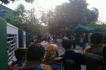 东爪哇巴苏鲁安爆炸袭击致 1 儿童受伤     警方追捕嫌疑人