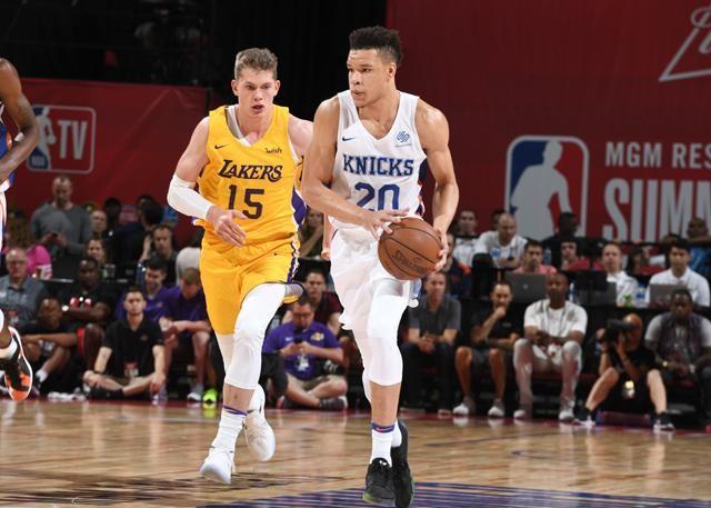 NBA 夏季赛 : 湖人 109-92 击败尼克斯