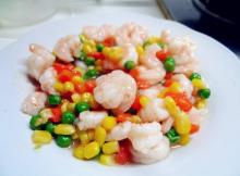 """中国清真食品 """"五彩虾仁""""     每种材料带有健康功效"""