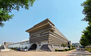 走遍安徽淮北市博物馆欣赏中国春秋战国至秦汉文物