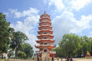 走遍巨港观赏浓厚中国文化气息