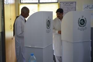 巴基斯坦大选今日启动     奎达市投票站附近遭爆炸袭击