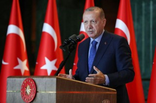 土耳其央行采取措施稳定市场防范里拉持续贬值