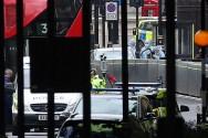 伦敦国会大厦汽车冲撞行人事件致 3 伤    29 岁嫌犯被逮捕
