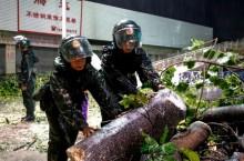 """强台风 """"山竹"""" 登陆中国南部沿海    广东省已致 2 人死亡"""