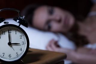 无意干扰夜间睡眠质量的四种习惯