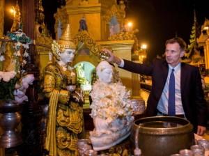 英国外交大臣访缅   将与昂山素会面