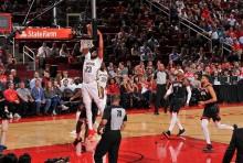 NBA 常规赛 18 日综述 :  强阵骑士和火箭败给对手