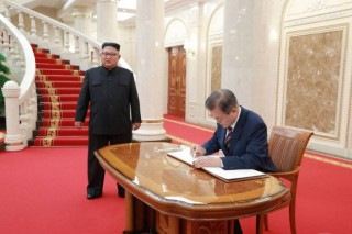 文在寅称金正恩或不久后出访韩国