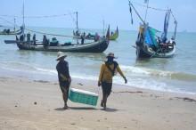 亚齐渔民疑似缅甸海域捕鱼被捕   :  大使馆人员暂无法与渔民会面