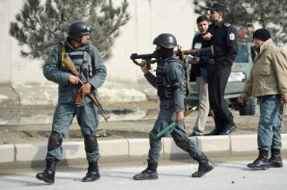 喀布尔一座礼堂发生爆炸袭击  已致 50 死  83 伤