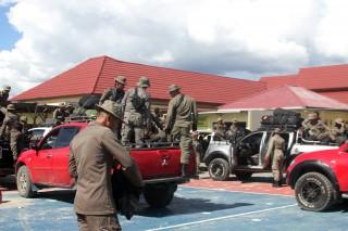 巴布亚警方疏散横贯公路谋杀案 12 名幸存者