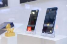 小米发布了旗下首款 5G 手机 MIX 3    预计明年推出