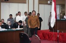 钟万学被监禁 1 年多后预计明年 1 月获释