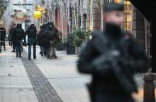法国警方全力追踪圣诞集市枪击案嫌犯