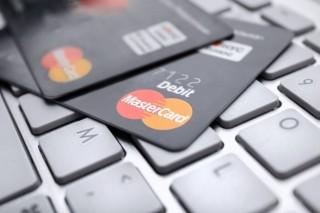 外媒 :  中国违反自身规定拒绝承认美信用卡进入市场申请