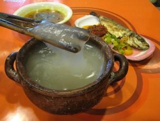 如何采用西米制作巴布亚美食西米粥?