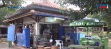 雅加达东区一书店出售数万绝版书籍       最古老书籍 1880 年出版