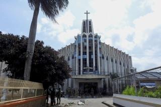 菲律宾教堂连环爆炸袭击致百余人死伤      我国强烈谴责