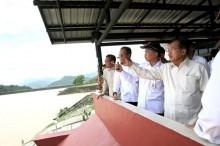 印尼南苏拉威西洪水土崩已致 40 余死