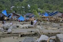 巴布亚省洪灾已致73死     五个月婴儿得救