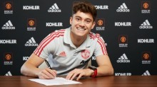 詹姆斯与红魔签署五年合同